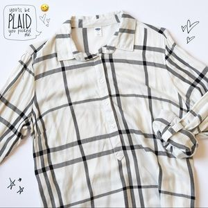 Old Navy Plaid Pullover Dress in Ivory & Black
